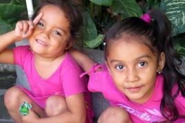 Hermanas en rosa - bonitas!