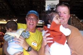 Babies of La Brigada love Ross and Calamardo