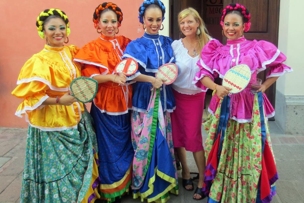 Tlaquepaque dancers