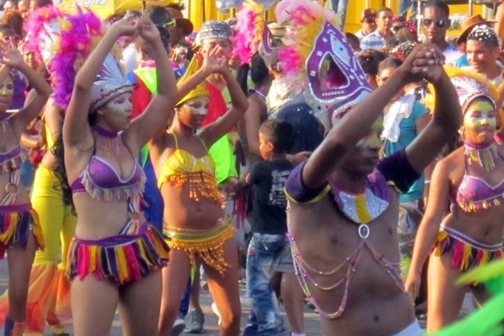Bailar en bikini! Mujeres y hombres