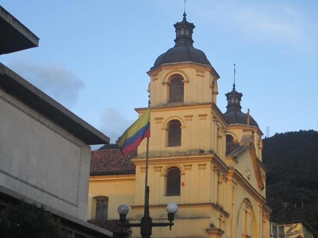 Iglesia Amarillo