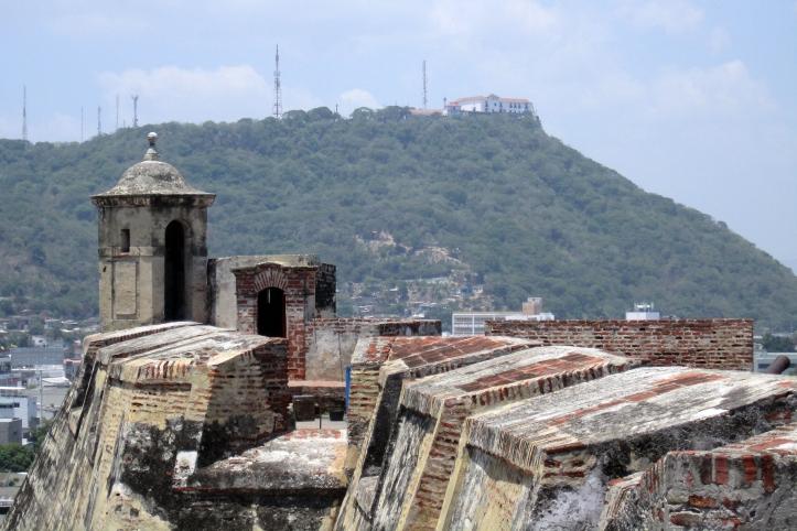 castillo-hill