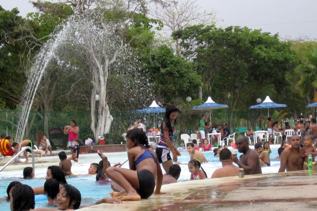turipana-crowd
