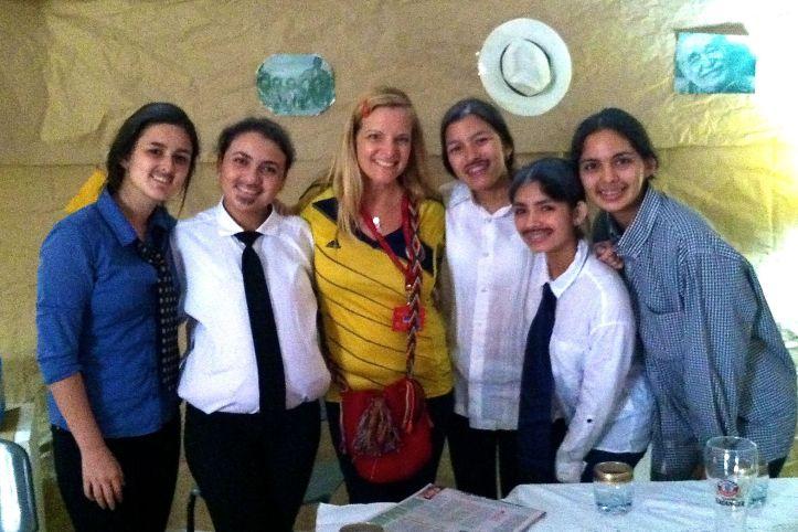 11th grade girls portraying Gabriel Garcia Marquez and friends