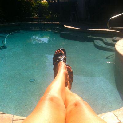 pool-feet-kd